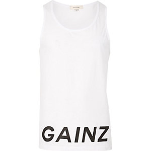 White hem 'Gainz' print tank