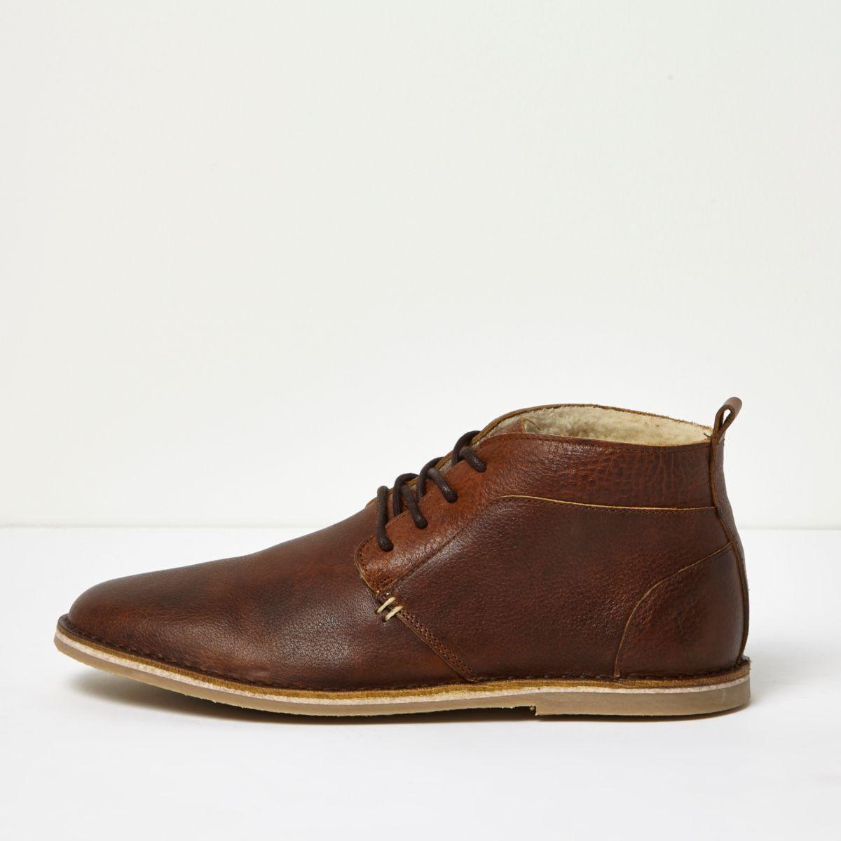 braune gef tterte desert boots aus leder stiefel. Black Bedroom Furniture Sets. Home Design Ideas