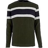 Dunkelgrüner Pullover mit Blockstreifen
