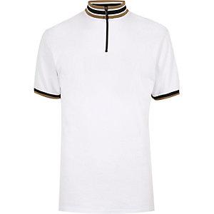 White stripe turtle neck t-shirt