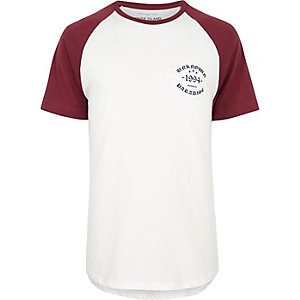 White and red raglan T-shirt