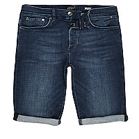 Skinny Jeansshorts in dunkelblauer Waschung