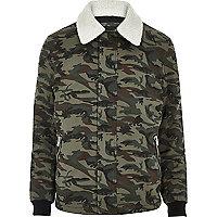 Camouflage-Jacke mit Borg-Kragen in Khaki