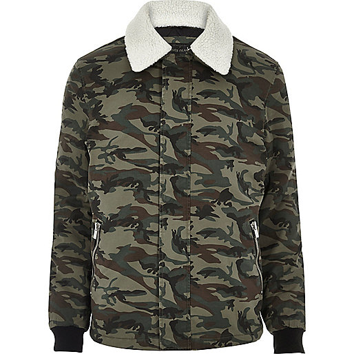 Khaki camo borg collar jacket
