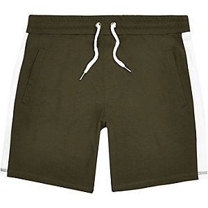Dark green stripe casual shorts