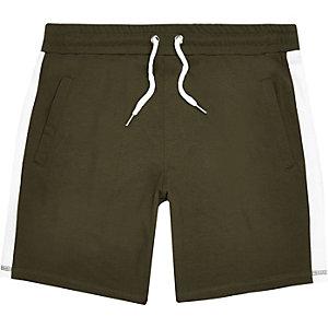 Dark green stripe casual shorts