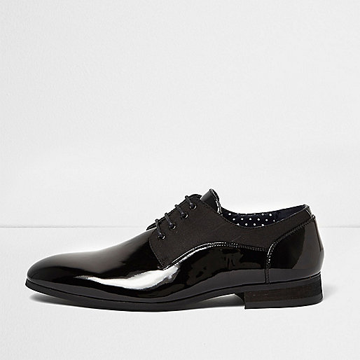 Black patent smart lace-up shoes