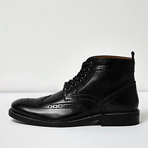 Bottines richelieu noires en cuir