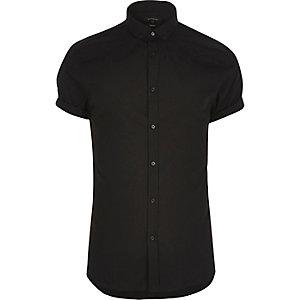 Chemise noire cintrée habillée à manches courtes