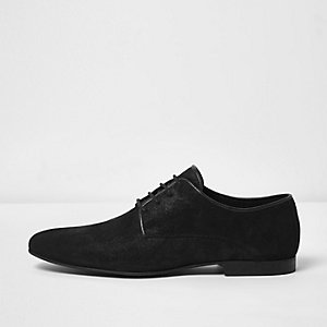 Black textured leather shoes