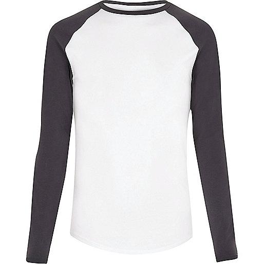 White raglan muscle fit long sleeve T-shirt