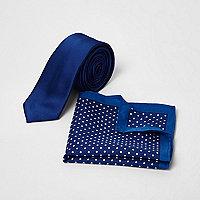 Blaues, gepunktetes Einstecktuch und Krawatte