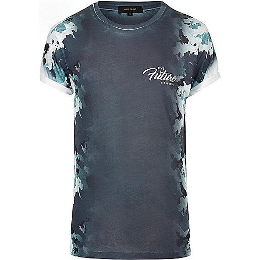 T-shirt bleu marine à imprimé camouflage sur le côté