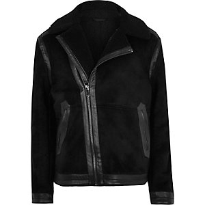 Schwarze Jacke mit Borgfutter