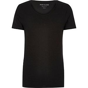 T-shirt noir à col échancré en V et coupe ajustée