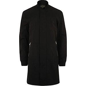 Lange schwarze Jacke mit Reißverschluss