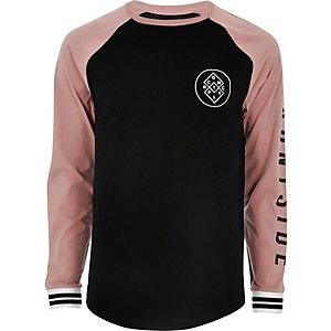 T-shirt noir imprimé à manches longues raglan