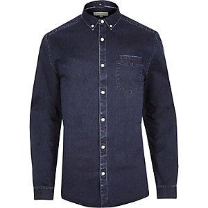 Chemise en jean bleu indigo à coupe ajustée