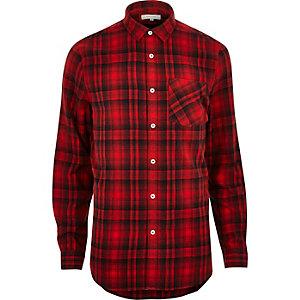 Rotes kariertes Hemd