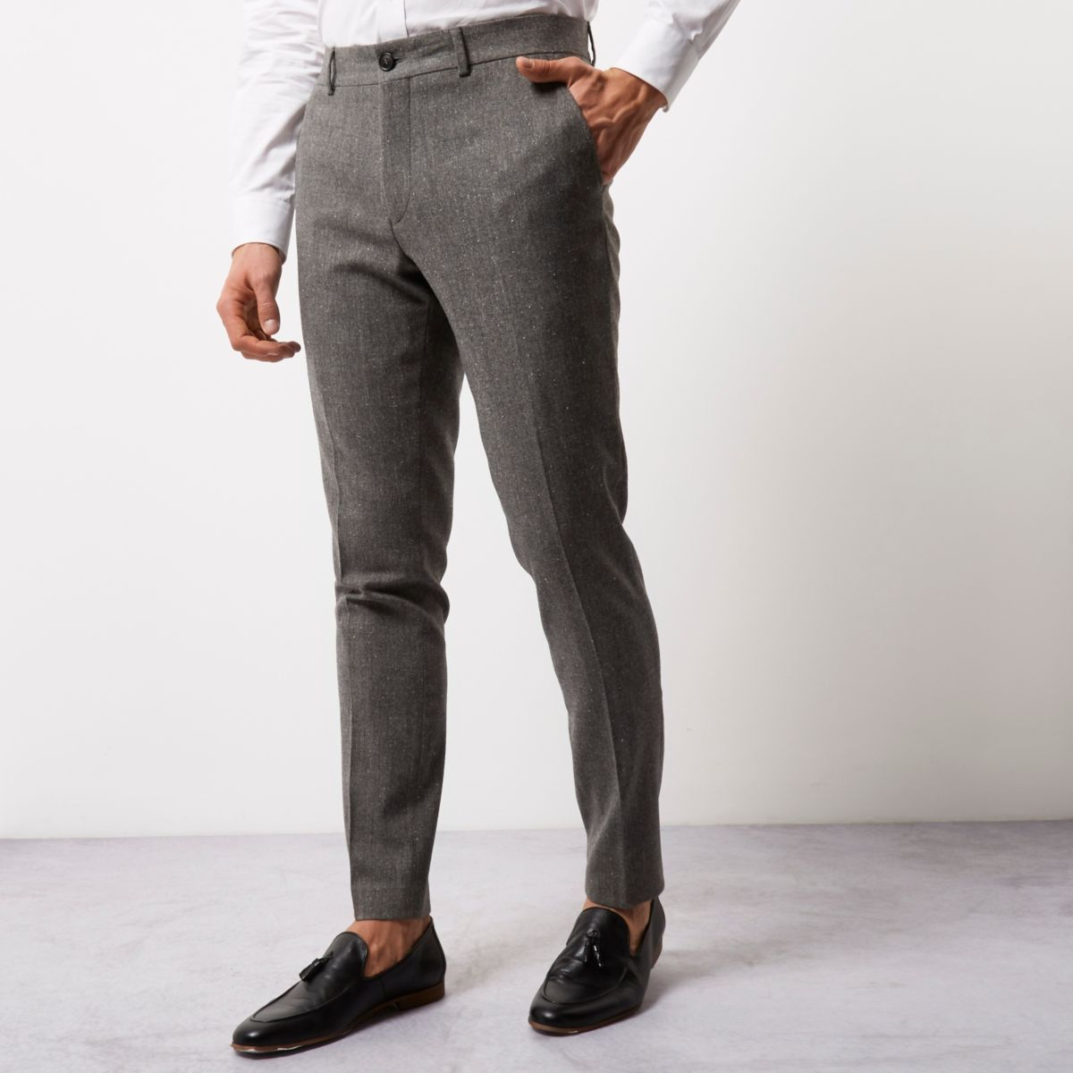 Versatile boys' pants for casual or formal looks. Plush pants are wide, comfortable and warm with a sporty design that boys aged 5 to 14 are sure to love. Chinos and dress pants for boys .
