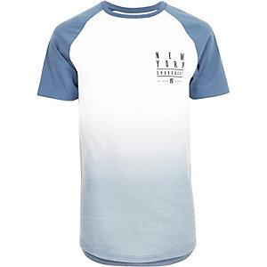 T-shirt imprimé bleu délavé à manches raglan