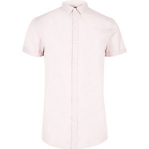 Roze slim-fit overhemd met kleine kraag en korte mouwen