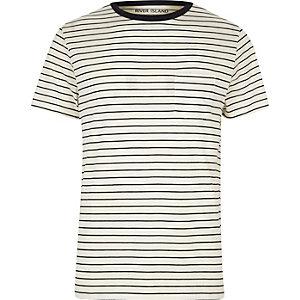 Weißes, gestreiftes T-Shirt mit normaler Passform