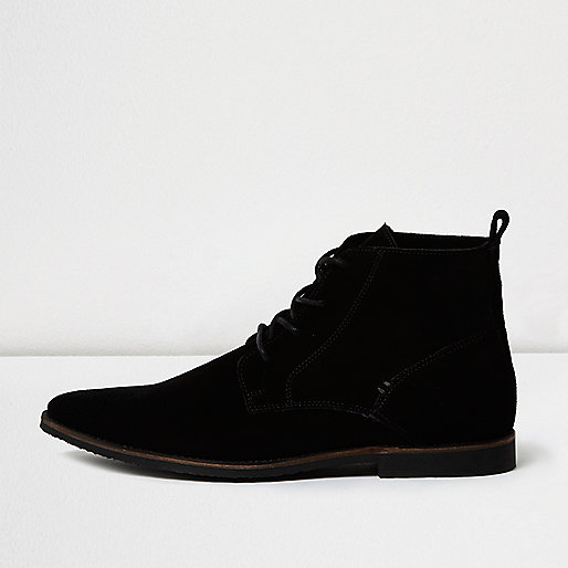 Black suede pointed desert boots