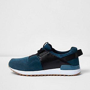 Blaue, strukturierte Sneaker