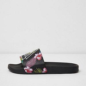 Zwarte slippers met bloemenprint