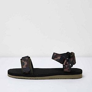 Zwarte sandalen met camouflageprint