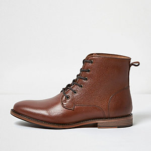 Bruine laarzen van zacht leer