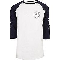 White print sleeve raglan T-shirt