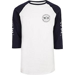 T-shirt blanc à manches raglan imprimées