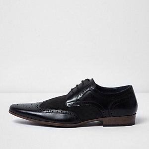 Elegante, schwarze Brogues
