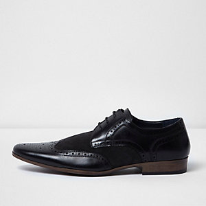 Richelieus habillées avec empiècements noirs