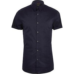 Chemise bleu marine à manches courtes et coupe ajustée