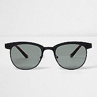 Black tortoiseshell retro sunglasses