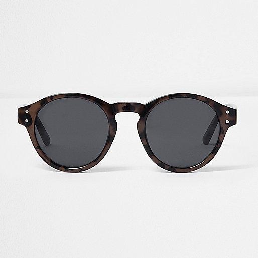 Brown tortoiseshell round sunglasses