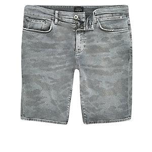 Short skinny en jean à imprimé camouflage gris