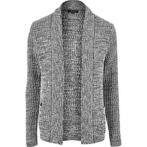 Graue, weiche Strickjacke