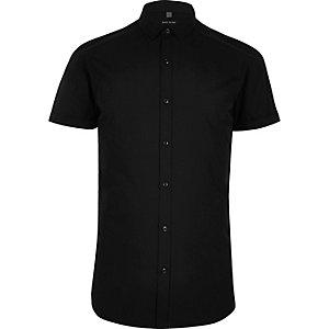 Zwart overhemd met korte mouwen en kleine kraag