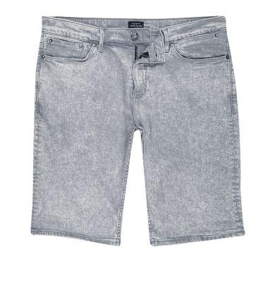 Grijze acid wash skinny-fit short