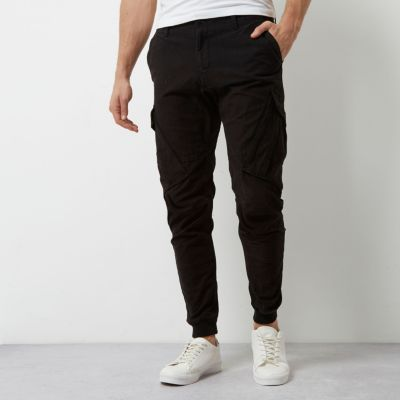 Zwarte slim-fit cargobroek