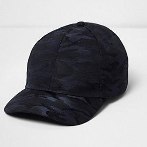 Marineblaue Kappe mit Camouflage-Muster