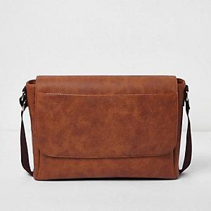 Bruine satchel met overslag