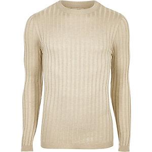 Kiezelkleurige aansluitende pullover met brede ribbels