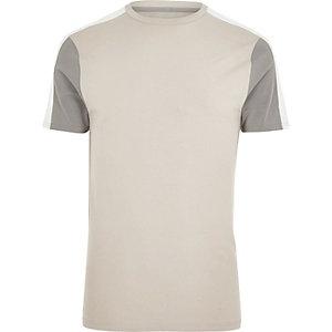 Kiezelkleurig aansluitend T-shirt met kleurvlakken