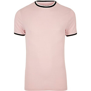 T-shirt ajusté rose à bords contrastants