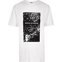 T-shirt long imprimé Design Forum blanc